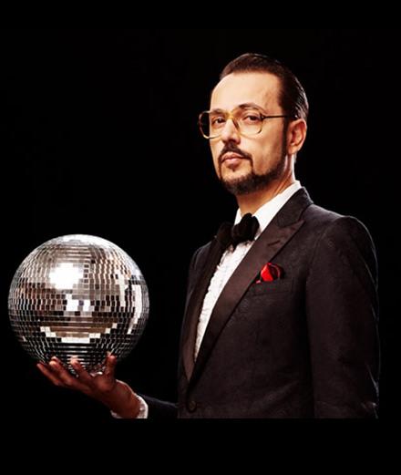 Dimitri From Paris célèbre les classiques disco avec une compilation de 20 titres