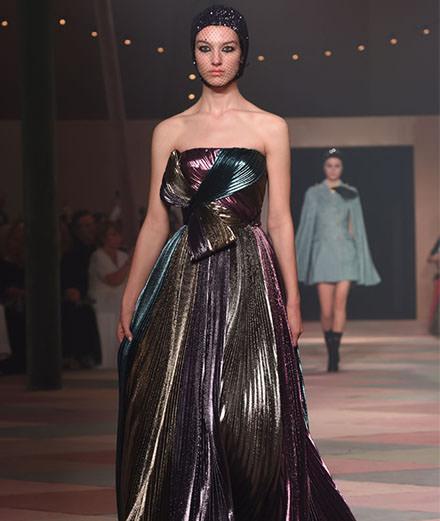 Dior dévoile 15 looks haute couture exclusifs pour son premier défilé à Dubai