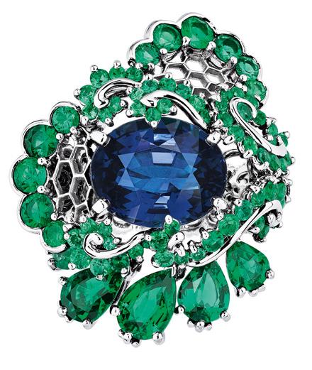 Dior célèbre la dentelle et la haute couture dans sa nouvelle collection de haute joaillerie