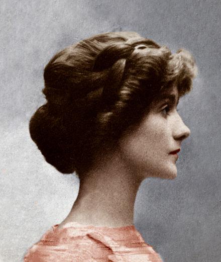"""""""Les guerres de Coco Chanel"""", le portrait documenté d'une légende de la mode"""