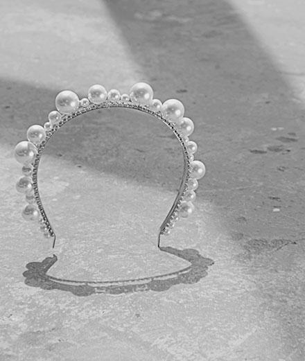 L'objet du jour : le serre-tête Ariana par Givenchy