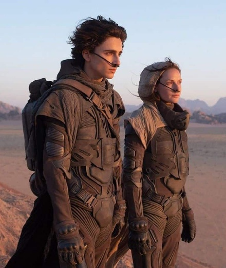 Dune: les photos de Timothée Chalamet et Zendaya pour le film de Denis Villeneuve
