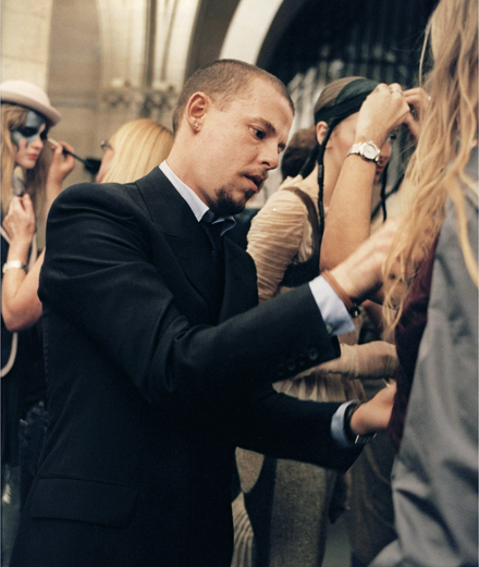Portfolio: the fascinating career of Alexander McQueen as seen by Ann Ray