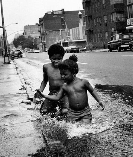"""Avec """"Getting Lite"""", la photographe Martine Barrat nous embarque dans le South Bronx des années 70"""