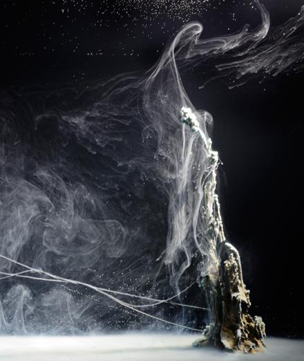 Et la chimie devint art : l'exposition de Hicham Berrada au Louvre-Lens