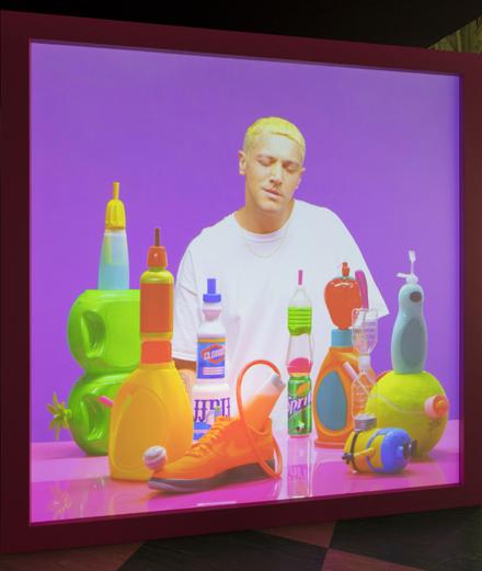 Les incontournables de la FIAC : sac géant et sosie d'Eminem
