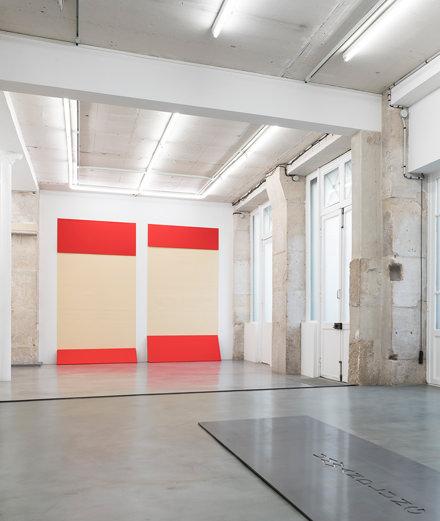 Franz Erhard Walther, l'artiste qui nous laisse pénétrer ses œuvres à la galerie Jocelyn Wolff
