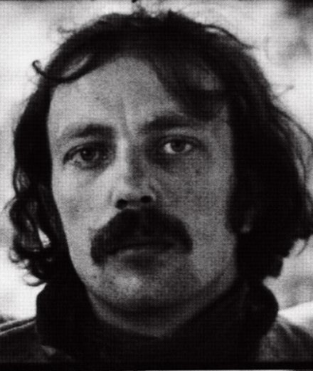 """Franz West, un """"inadapté social"""" irrévérencieux au Centre Pompidou"""