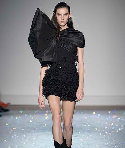 Le défilé Giambattista Valli haute couture printemps-été 2019