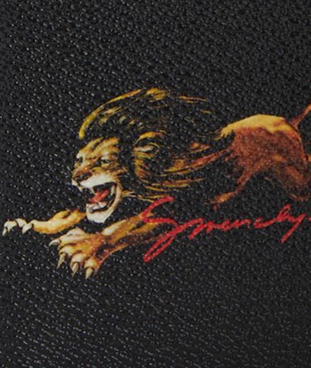 L'imprimé du jour : le lion Givenchy par Clare Waight Keller