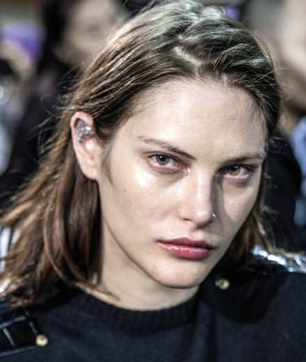 Backstage : the beauty looks of Givenchy Spring-Summer 2017 runway show seen by Mehdi Mendas