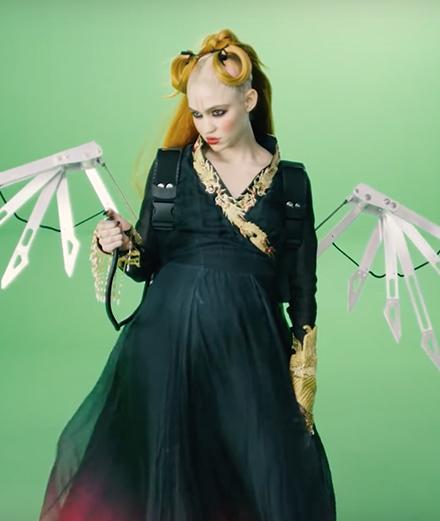 Grimes lance un défi interactif à ses fans