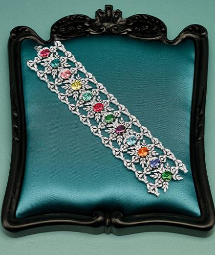 Gucci s'installe place Vendôme pour sa première collection de haute joaillerie