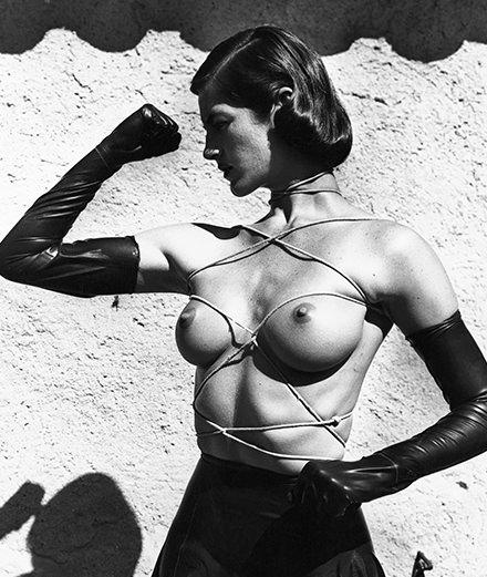 Trois grands photographes de nu exposés à la fondation Helmut Newton