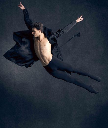 """""""Le travail du danseur est de remettre les grandes pièces au goût du jour"""" Rencontre avec Hugo Marchand, étoile de l'Opéra de Paris"""