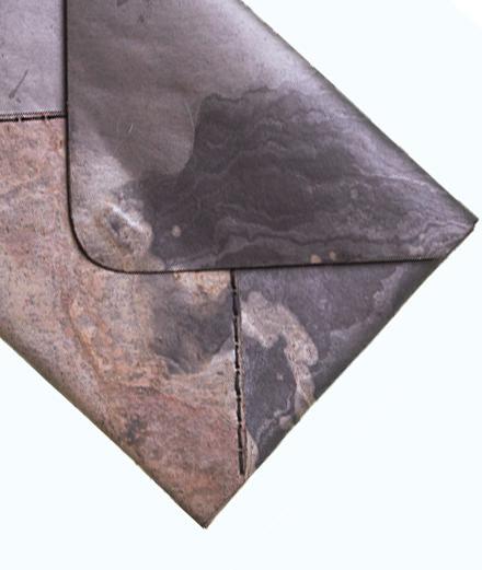 La première collection accessoires homme d'Hugo Matha, ou quand le cuir rencontre la pierre
