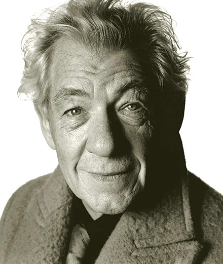 """Not all Americans are stupid. 5% remain frequentable"". The cult interview with Ian McKellen"