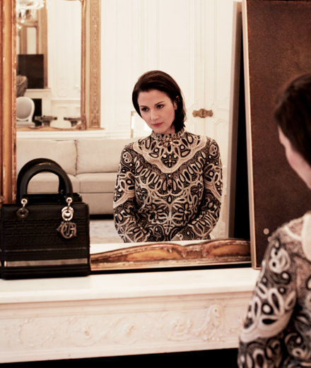 L'artiste Isabelle Cornaro réinterprète le sac Lady Dior