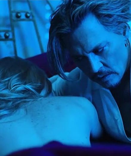 Johnny Depp fait un plan à 3 dans le clip de Marilyn Manson