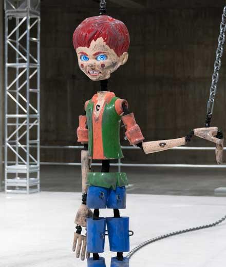 Quand Pinocchio se transforme en Chucky avec l'artiste Jordan Wolfson
