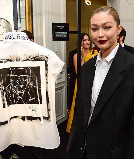 L'hommage à Karl Lagerfeld en 7 chemises