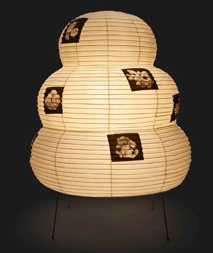 La lampe Akari revisitée par Kris Van Assche directeur artistique de Dior Homme