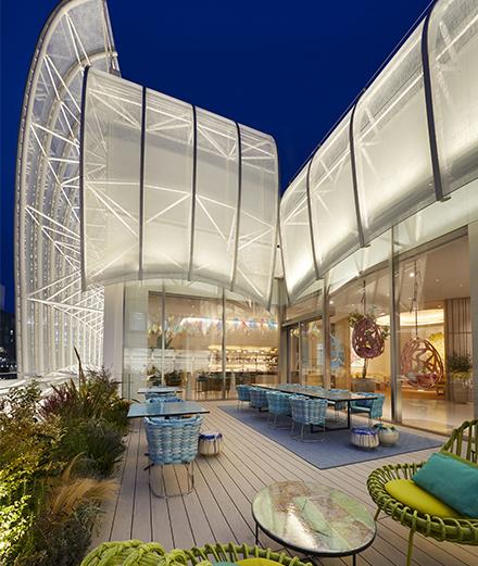 À quoi ressemble le premier restaurant Louis Vuitton ?
