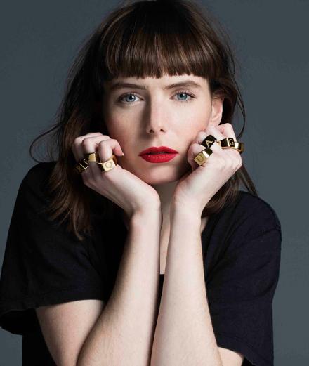 Avec son nouveau clip, Marie-Flore braque la pop française