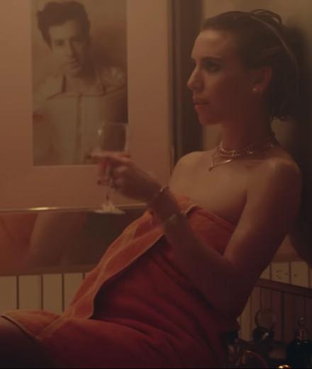 """Late Night Feelings"" : le nouveau clip du producteur star Mark Ronson avec Lykke Li"
