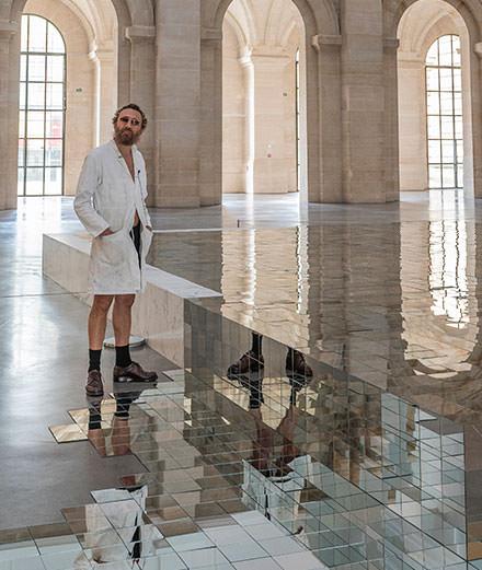 """""""Besoin d'air"""", l'installation monumentale de Mathias Kiss"""