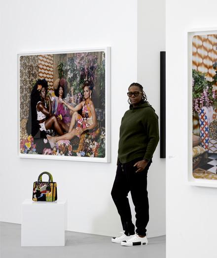 L'artiste féministe Mickalene Thomas réinterprète le sac Lady Dior