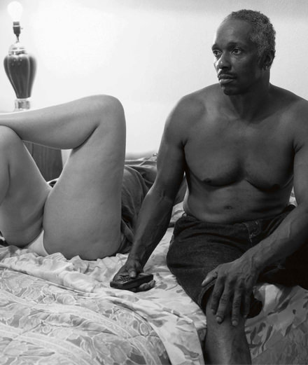 """My camera is a weapon."" Who is Latoya Ruby Frazier, american photographer ?"