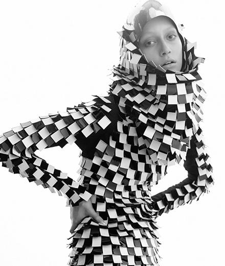 Offrez-vous le portrait d'Alana Zimmer par Mondino