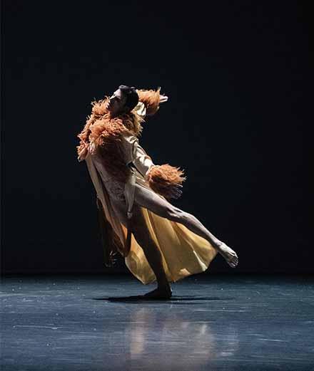 À l'Opéra de Paris un ballet queer s'attaque à la virilité