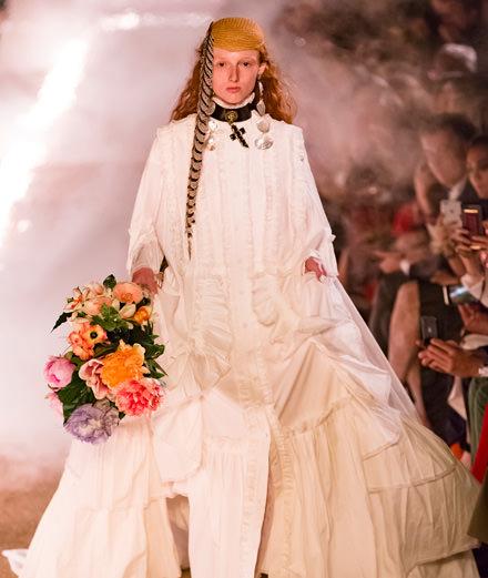 Gucci Croisière 2019 : Alessandro Michele enflamme la nécropole romaine des Alyscamps à Arles