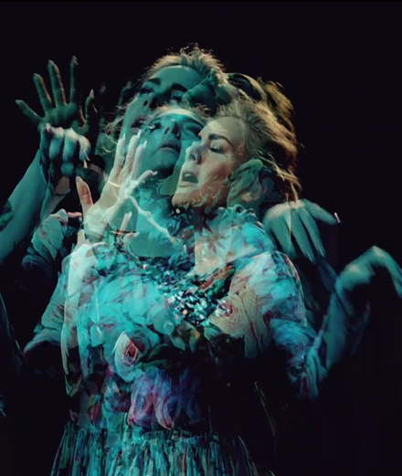 "Adele en pleine séance d'exorcisme dans son nouveau clip ""Send My Love (To Your New Lover)"""