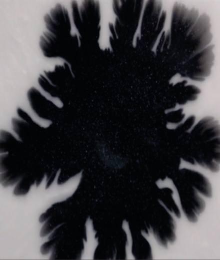 """Les sensations aux effets hypnotiques du clip """"Breathe Out"""" de Son Lux"""