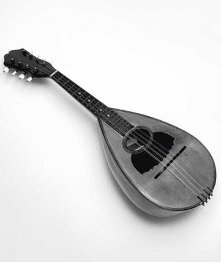 L'obsession de Paolo Roversi pour… sa mandoline