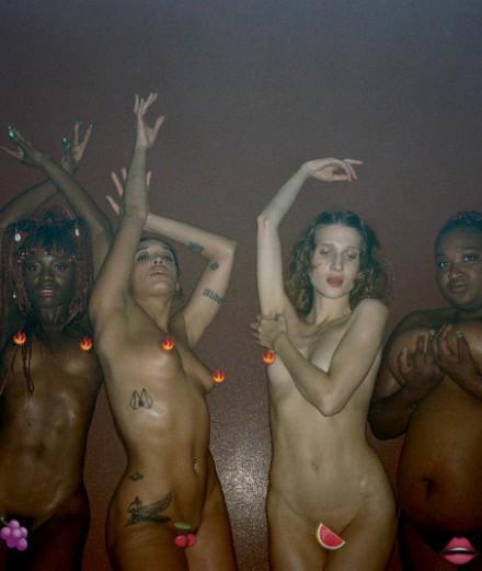 Romain Gavras et Kim Chapiron filment un club nudiste