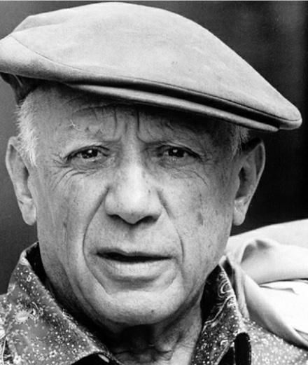 Les poèmes de Picasso s'invitent sur des tee-shirts Maison Labiche