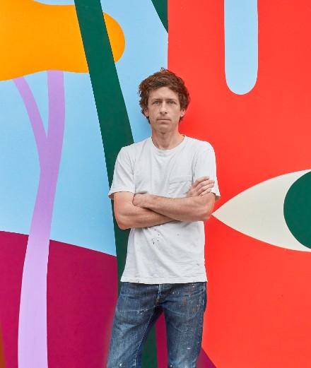 Le peintre Luckylefthand habille les murs de Louis Vuitton