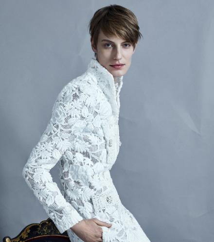Veronika Kunz sublimée en haute couture par Jean-Baptiste Mondino et Babeth Djian