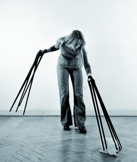 Rebecca Horn en 6 œuvres avant-gardistes