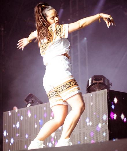 Rosalía enflamme Paris pour son premier concert en France