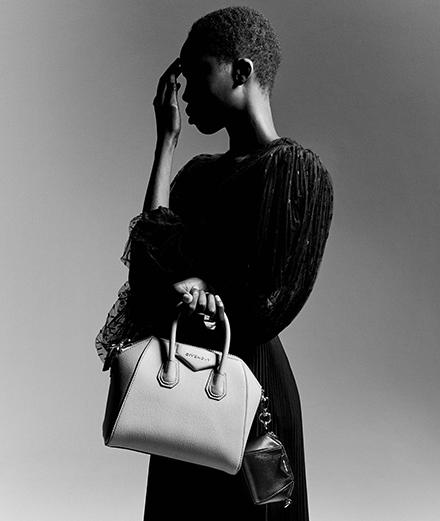 Givenchy célèbre les dix ans de son sac iconique Antigona