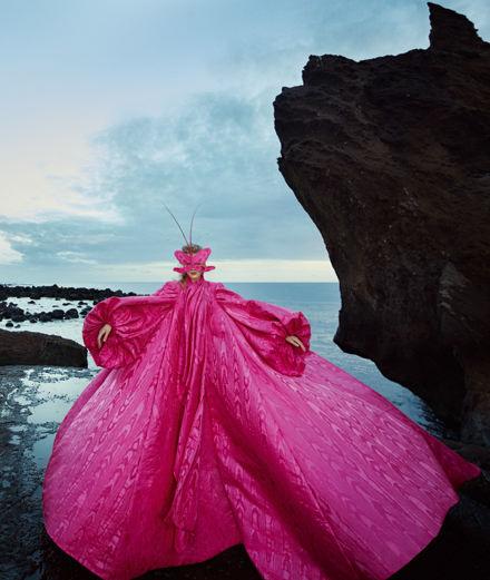 """La série mode """"Reine des Cieux"""" par Txema Yeste"""
