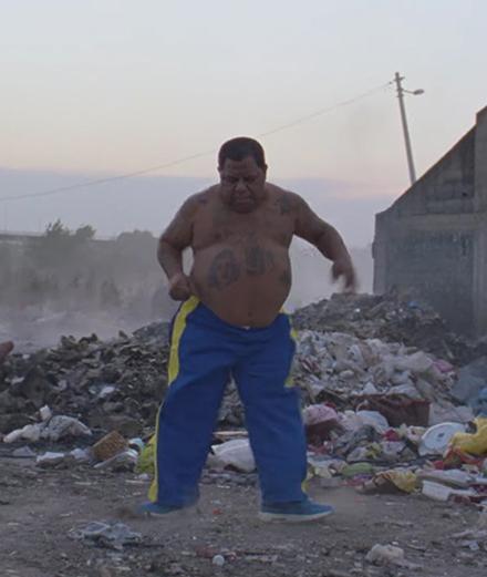 Virée dans les décombres de Belgrade avec SebastiAn