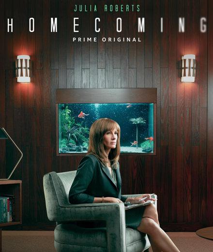 """Julia Roberts en assistante sociale perturbée pour la nouvelle série """"Homecoming"""""""