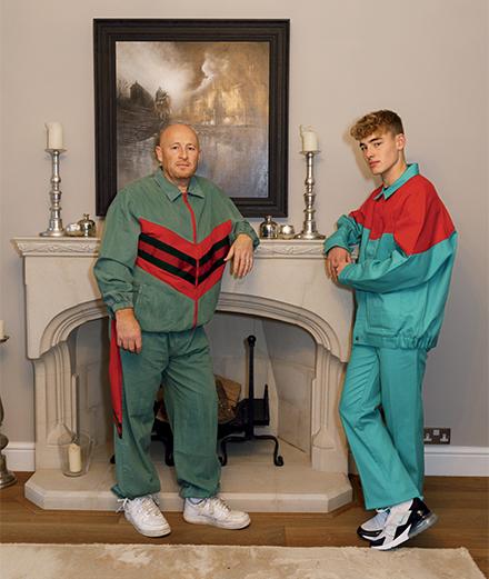 Série mode : Martin Parr photographie père et fils pour Numéro Homme