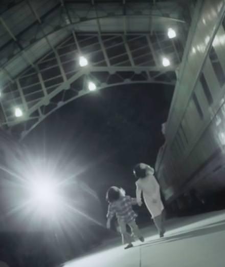 """Sia dévoile une nouvelle vidéo intense pour """"Never Give Up"""""""